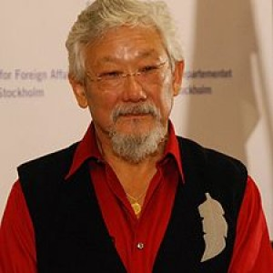 http://contrabandos.org/wp-content/uploads/2012/03/225px-Right_Livelihood_Award_2009-press_conference-61.jpg