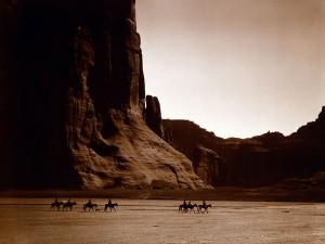 http://contrabandos.org/wp-content/uploads/2012/03/798px-Canyon_de_Chelly_Navajo.jpg