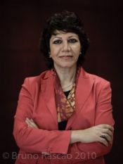 http://contrabandos.org/wp-content/uploads/2012/03/Bahira-Abdulatif_AUTORA.png