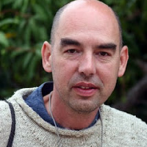 http://contrabandos.org/wp-content/uploads/2012/03/Santiago_Alba_AUTOR.png