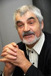 http://contrabandos.org/wp-content/uploads/2012/03/Sergelatouche1.jpg