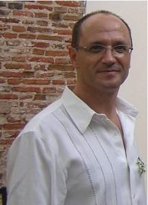 http://contrabandos.org/wp-content/uploads/2013/09/rodolforezola.jpg